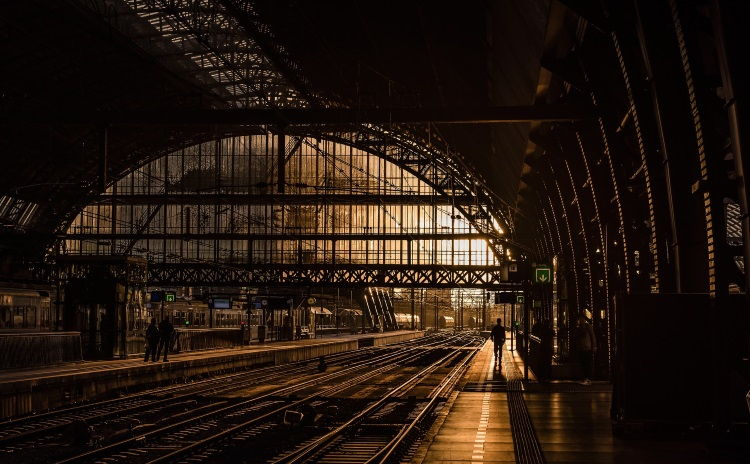 Paris train stations ⇆ Local adress