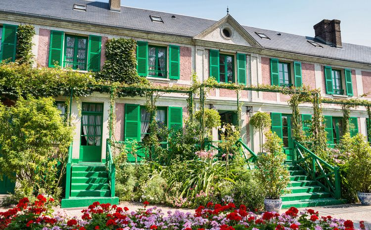 Versailles castle & Giverny - Full Day Tour