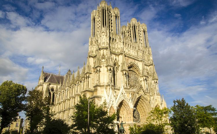 Reims & Champagne - Full Day Tour